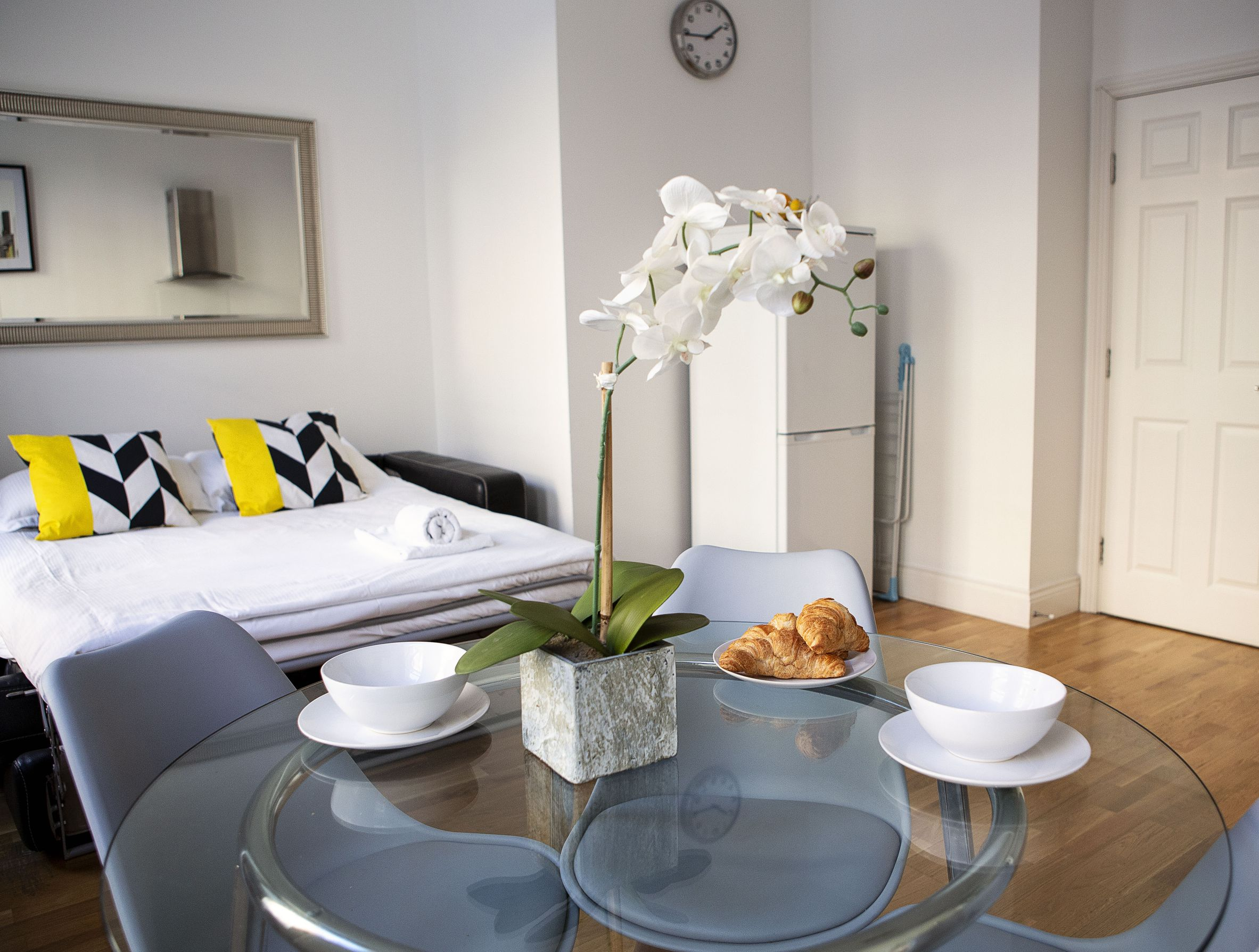 Opera House Serviced Apartments, Apartment 1A, Covent Garden - Dining Area