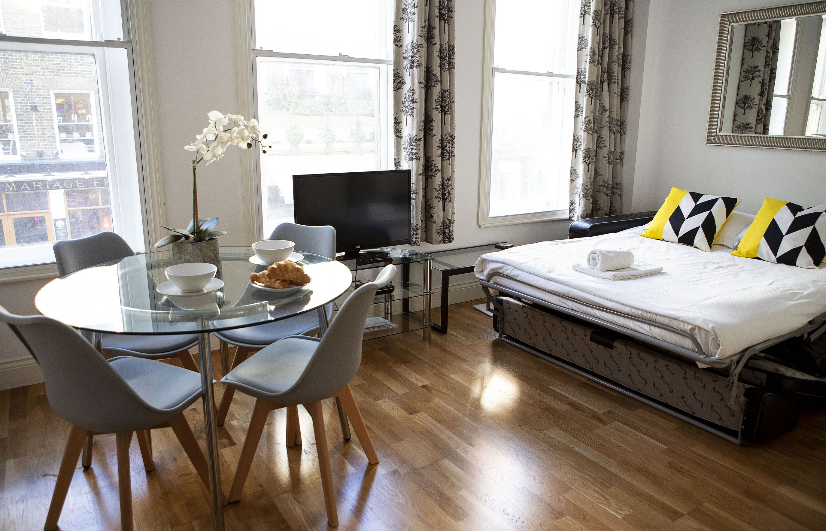 Opera House Serviced Apartments, Apartment 1A, Covent Garden - Living Area