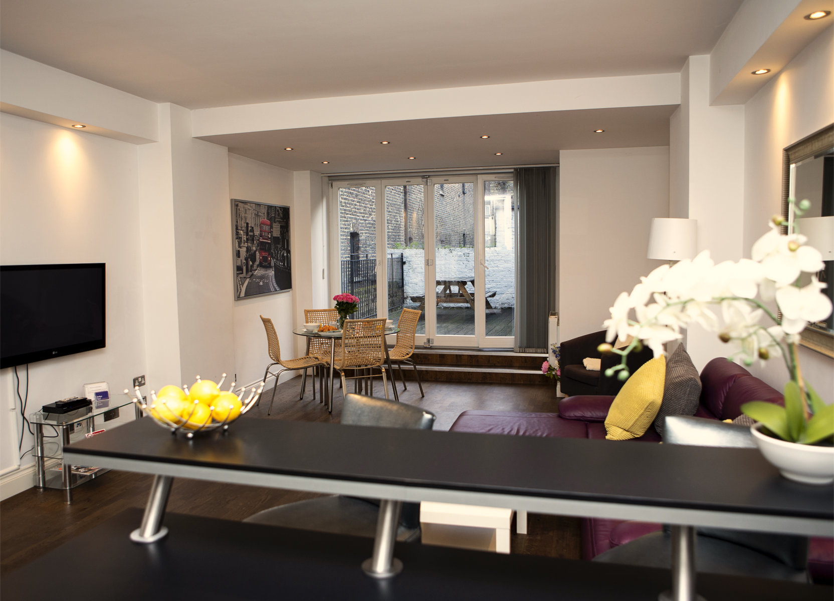Trafalgar Square Serviced Apartments, Apartment 1, Covent Garden - Living Area