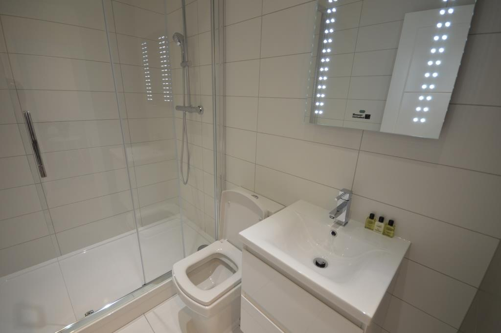 Soho Court, Apartment D, West End - Washroom
