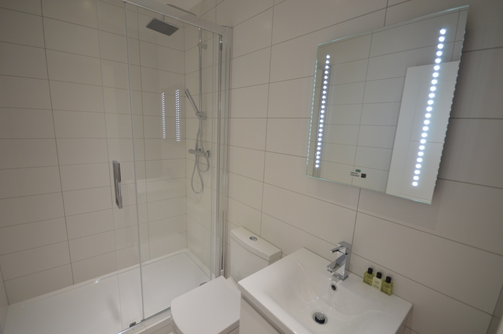 Soho Court, Apartment F, West End - Washroom