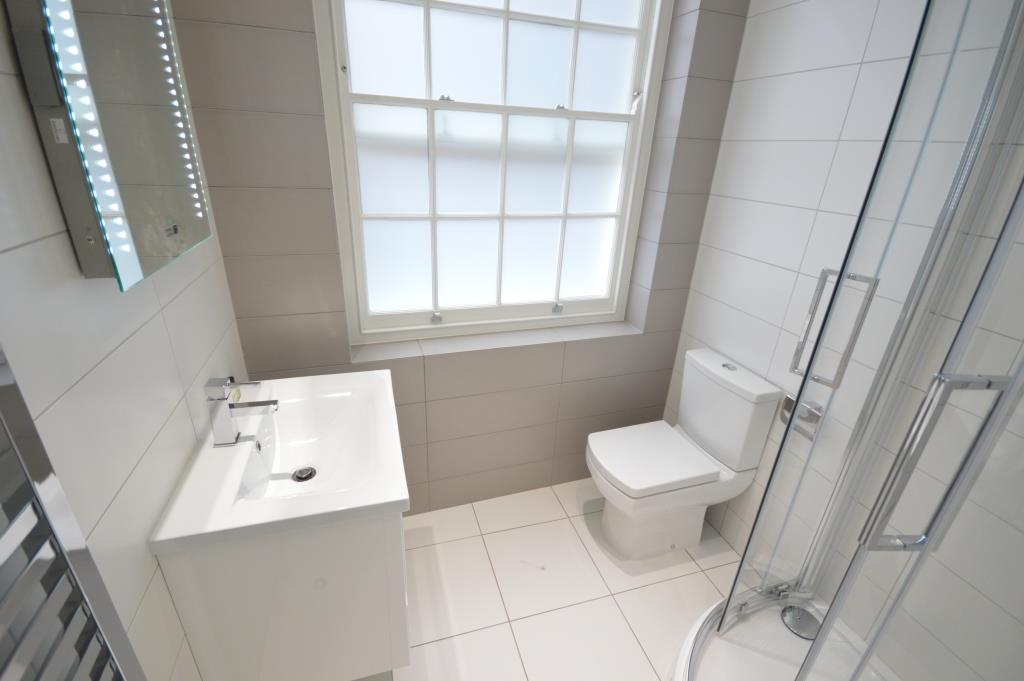 Soho Court, Serviced Apartment A, West End - Washroom