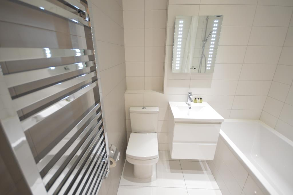 Soho Court, Apartment B, West End - Washroom