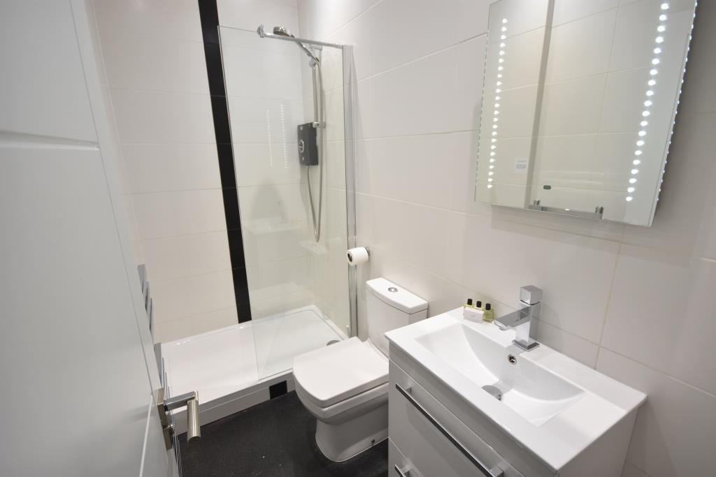 Soho Serviced Apartments - Apartment 1 Washroom