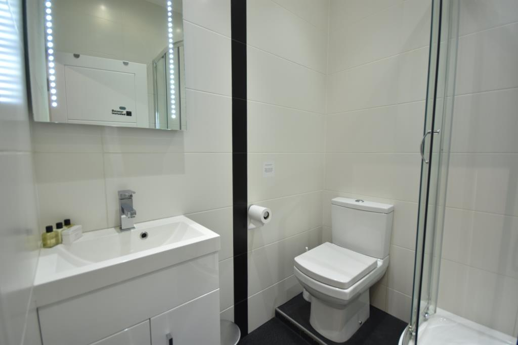 Soho Apartments (130 Wardour Street) - Apartment 3 Washroom