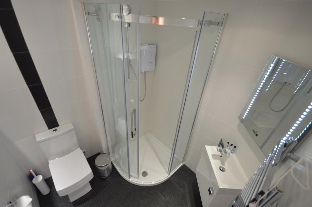 Soho Apartments (130 Wardour Street) - Apartment 3 Washroom