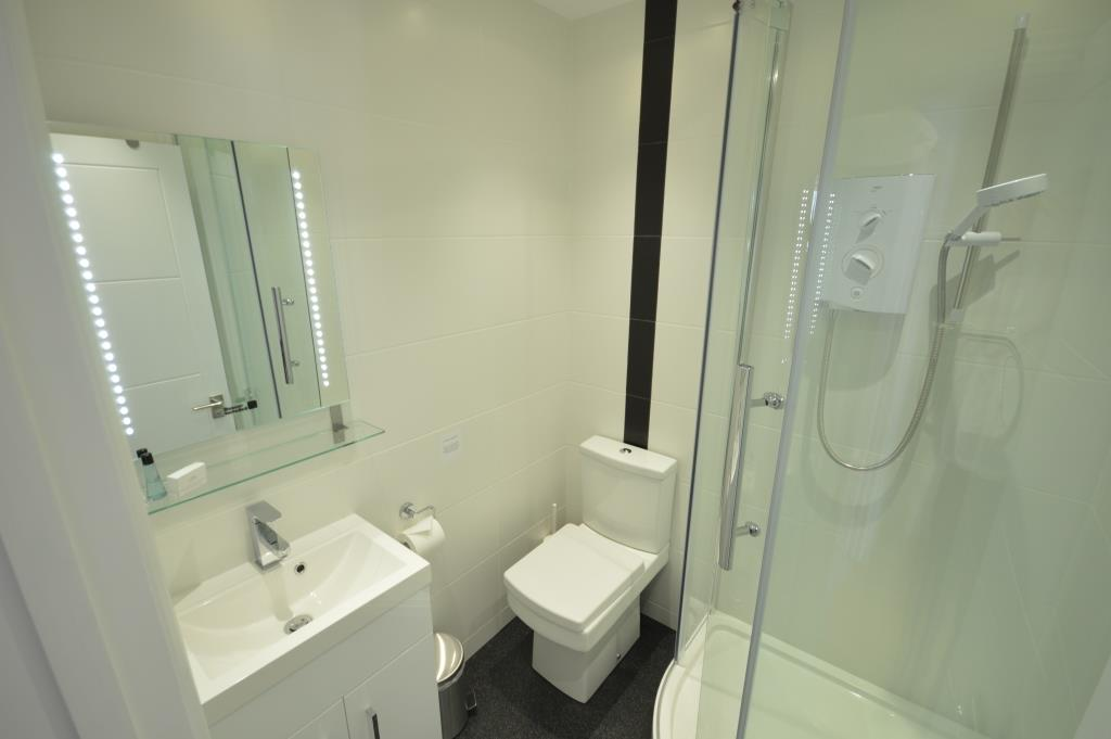 Soho Apartments (130 Wardour Street) - Apartment 4 Washroom